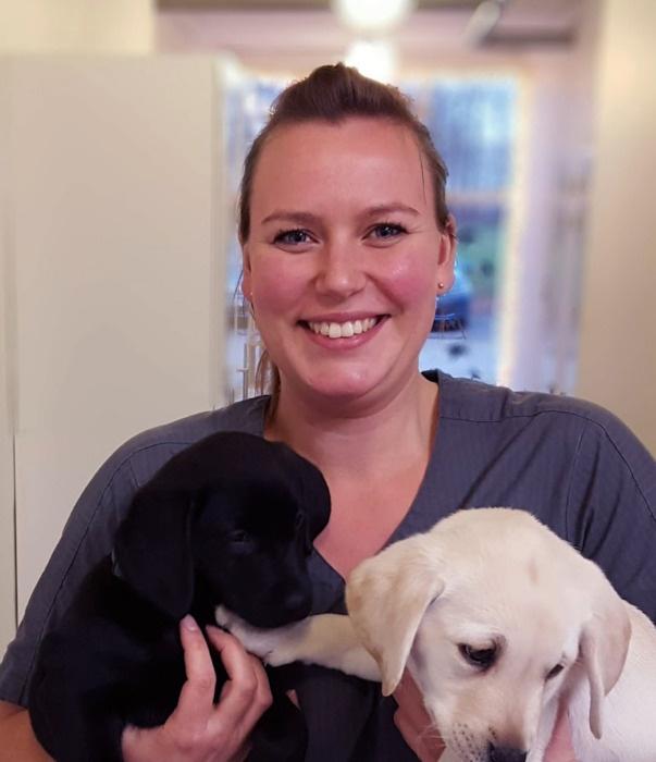 Mette Hedegård Sørensen er veterinærsygeplejerske på Randers Dyrehospital